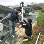 太陽光発電フェンスの支柱を打込み